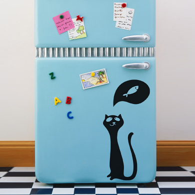Кошка нарисованная на холодильнике