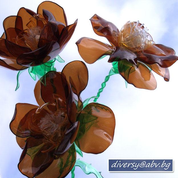 Как своими руками сделать цветы из пластиковых