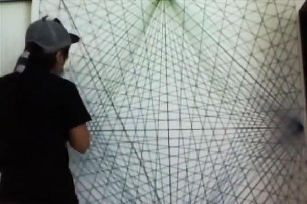 Декорирование стен с помощью пряжи
