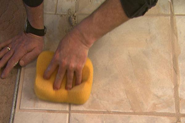 Как затирать швы на плитке