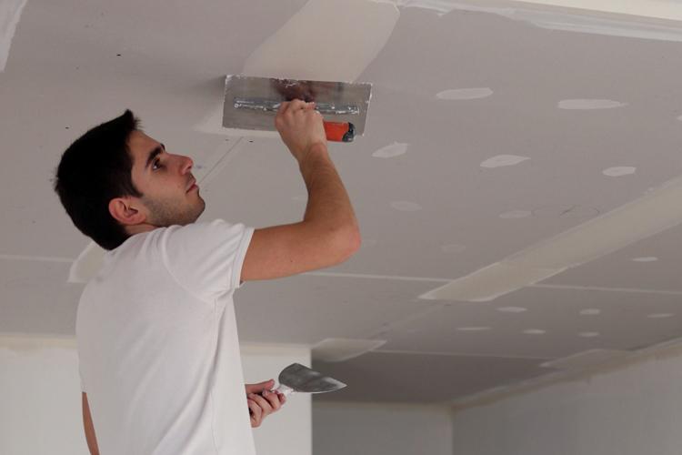 Как сделать плинтуса на натяжной потолок 147