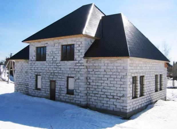 Строительство двухэтажного дома из пенобетонных блоков